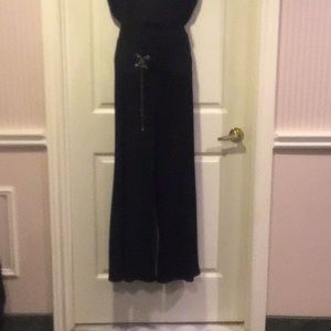 Black wide leg pant with faux belt,brooch&chain